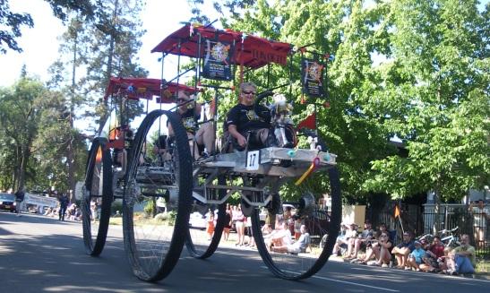 DaVinci Days machine in the Eugene Celebration Parade