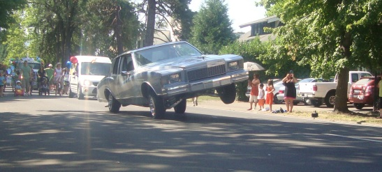Low-rider in the Eugene Celebration Parade