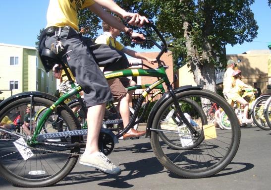 UO entry in Eugene Celebration Parade